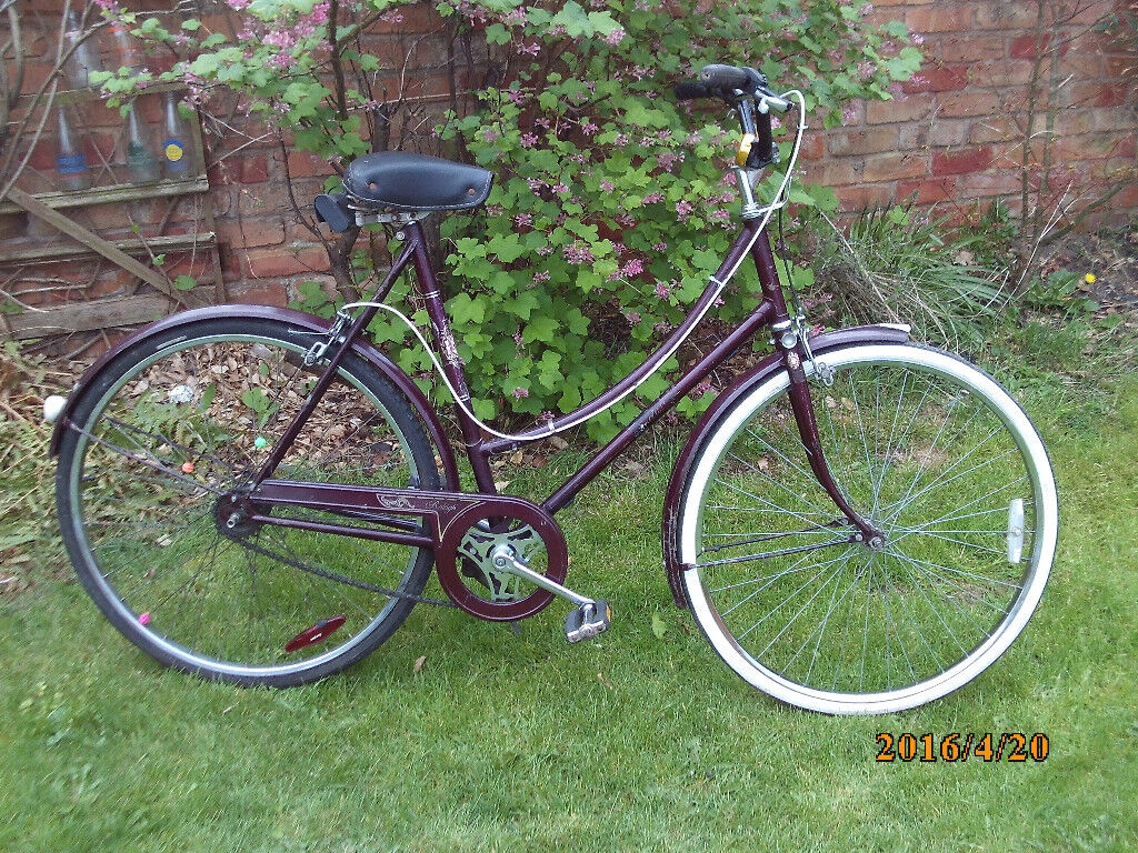 RALEIGH CAMEO SHOPPER ONE OF MANY QUALITY BICYCLES FOR SALE