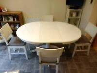 Dining room extandable table with 4 chairs