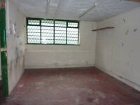 UNIT TO LET IN LONGTON, PERFECT FOR STORAGE, BUILDERS OR MOTORS.