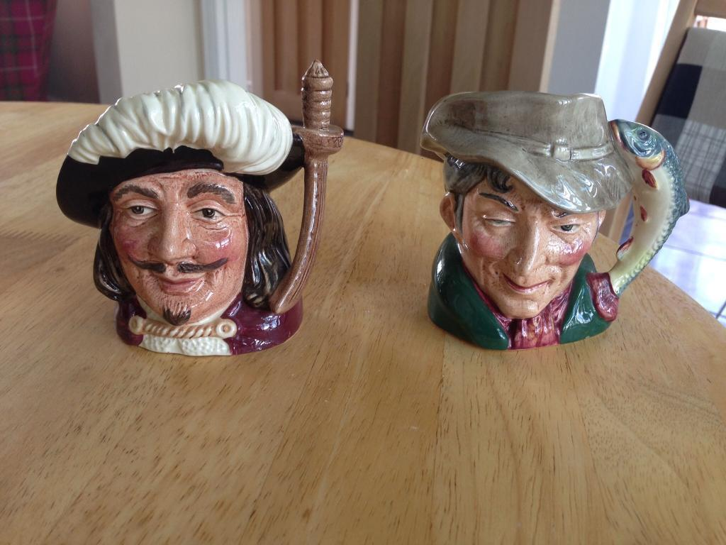 Royal Doulton Pottery Toby Jugs Small Musketeers