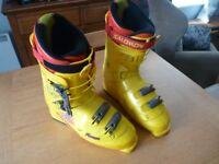 Saloman Force Men's Quality Ski Boots, Size 9 half, 370/30.0, L=344mm