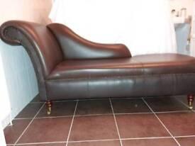 L@@K Lovely brown leather shezlong