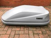 Thule roof box with accessories