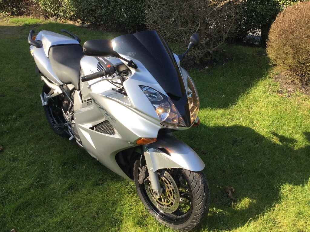 silver honda vfr 800 vtec 2003 in lowestoft suffolk gumtree. Black Bedroom Furniture Sets. Home Design Ideas
