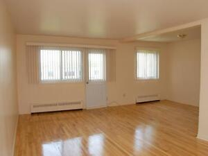 RENOVATED, Very spacious 5 1/2 Available for JULY AND August!