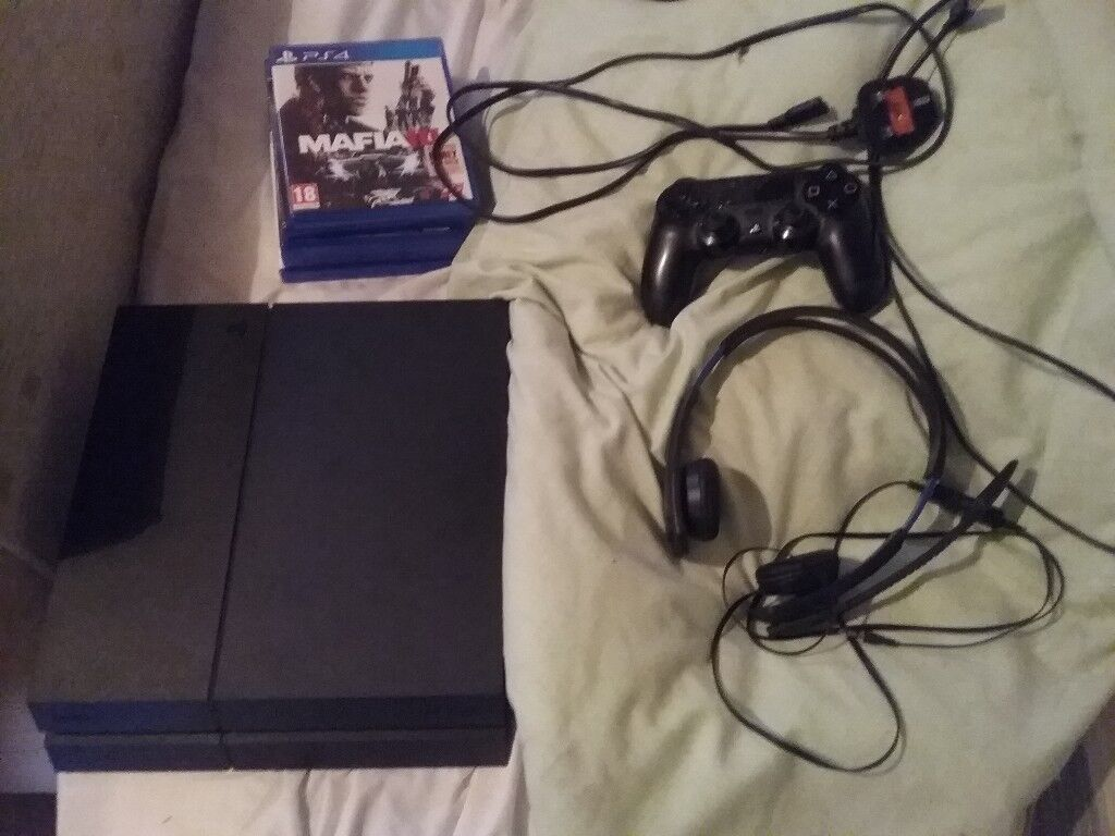 Ps4 1tb players edition unboxed. Comes with 5 games and headphones