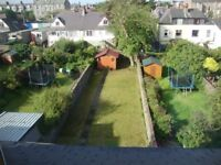 spacious & bright double room to let