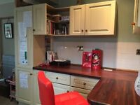 Second hand kitchen in good condition with high end appliances