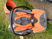 BABY CAR SEAT WITH BEASE RECARO
