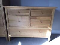 Willis & Gambier 'Spirit' Solid Oak 5 Drawer Chest of Drawers