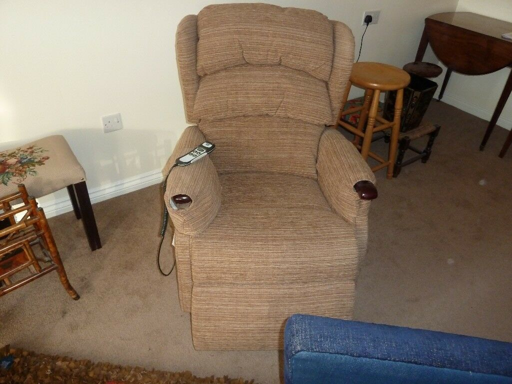 Excellent Hsl Linton Dual Electric Riser Recliner Chair In Sutton Coldfield West Midlands Gumtree Caraccident5 Cool Chair Designs And Ideas Caraccident5Info