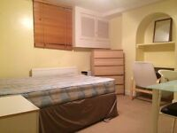 Double Room To Rent in Guildford Town Centre!