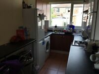 5 bed house, NO FEES close to public transport heading to city centre & University,shops,amenities.