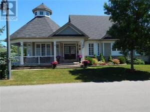 17 CLUBHOUSE DRIVE Collingwood, Ontario