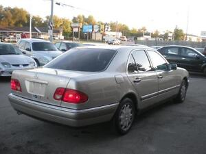 1997 MERCEDES-BENZ E320 | LOADED | SUNROOF | MUST SEE Kitchener / Waterloo Kitchener Area image 4