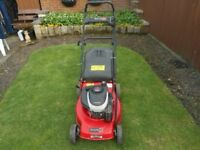 Champion 46 cm self propelled petrol lawnmower