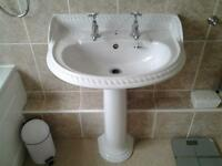 Good Quality White Bathroom Suite including Shower Cubicle and tray 900mm x 800mm