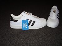 Adidas Superstar Trainers Size 5 1/2 Black 3 Stripe New