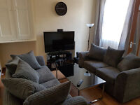 Spacious double bedroom near City Centre in student shared house