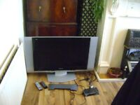 LARGE OLD TV, DIGI BOX ALL WORKING