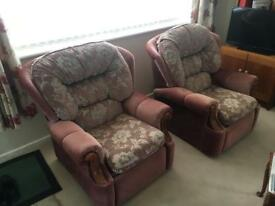 2 reclining armchairs