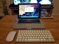 "Macbook 13"" Aluminium High Spec 500GB 8GB Includes Wireless Mouse And Keyboard"