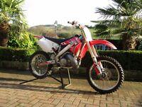 Honda cr 250 2 stroke motocross bike