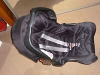 Baby car seat - Graco - Rear facing for upto 13kg approx 15mths