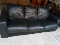 BLACK LEATHER 3 SEATER AND 2 SEATER SOFA NICE AND COMFY VIEWING WELCOME