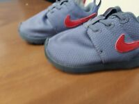 infant size 5 nike trainers