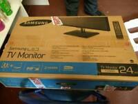 """Samsung smart 24"""" LED tv"""