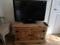 Rustic Pine TV Unit/Stand - includes 32 inch Toshiba TV with remote