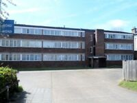 A Spacious one bed flat. Can be turned into a 2 bed