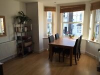 Double Room in Modern Flat - Central Guildford