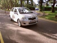 TOYOTA YARIS 5 door silver 2006 reg need urgent sale today , 1lady owner