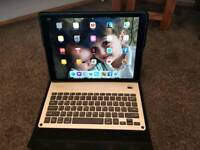 Ipad Pro 12.9 inch 128gb with case and keyboard case