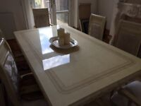 Lovely dining table - Italian style