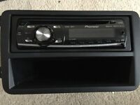 Pioneer car stereo fits VW golf – includes fittings, tray, CD player, detachable front, manuals.