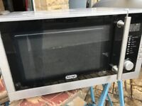 Delonghi Microwave in Good Working Condition 900W