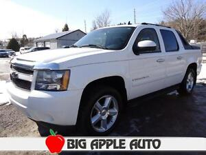 2007 Chevrolet Avalanche LTZ 4WD Sunroof, Leather, Remote Start