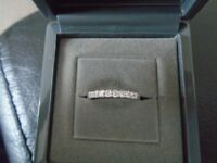 BEAUTIFUL BEAVERBROOKS PLATINUM DIAMOND RING .26CT COST £1300 NEW IN FEB 2016 ORIGINAL RECEIPT INCL