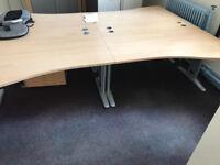 1600MM Waved Desk