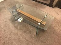 Excellent glass table for sale!!!!