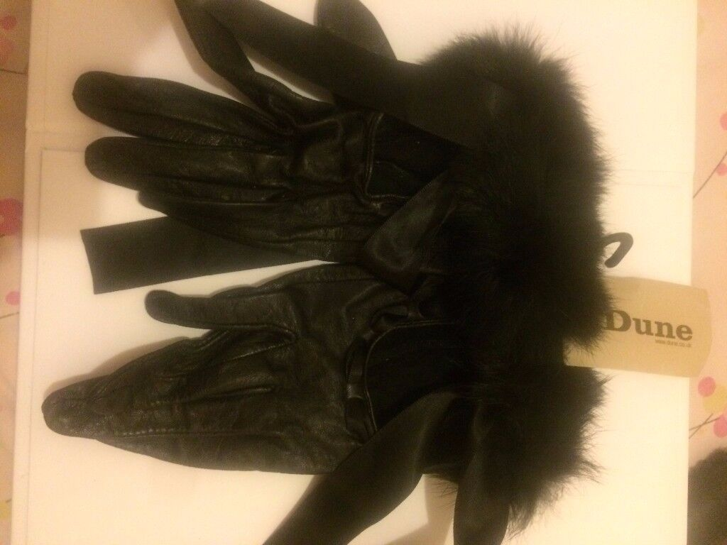 pu leather dune gloves with tags on