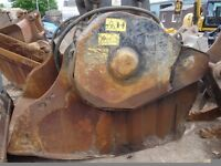 Crusher bucket to fit 30/40t excavator good working condition