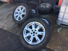 Range Rover Alloys wheels with good tyres Land Rover t5