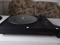 SystemdekII XE900 High end Turntable. One owner from new. Sought after model in mint condition.