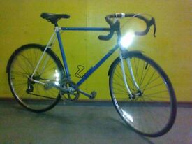 Raleigh Classic Road Bike - 23 inch lightweight frame - mudguard !