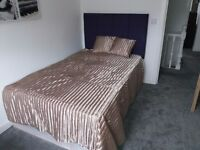 76 Austhorpe Road-SUPERB HIGH END EXECUTIVE ROOM 3-ALL BILLS INCLUDED!!