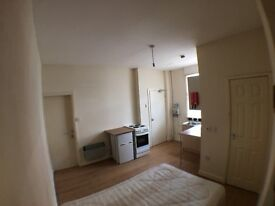 1 BEDROOM STUDIO* NEWLY REFURBISHED *HOLBECK * RECREATION STREET * ZERO DEPOSIT * DSS WELCOME!